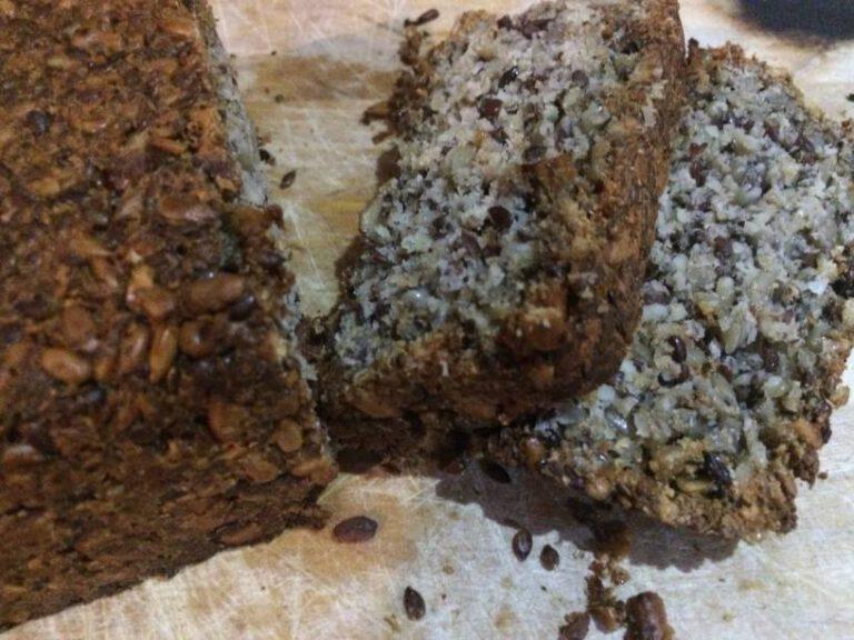 Veganský semínkový chléb